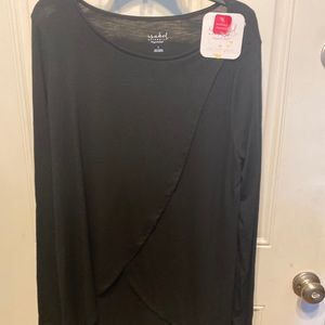 Long sleeve black nursing top